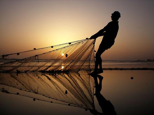 Il video su pesca di unattrezzatura e come impigliarsi